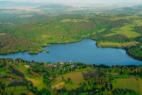 ZE lac des volcans week end pour etudiant camping